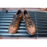 Vintage 76 - chaussures évoquant les bottines des pilotes de grand prix
