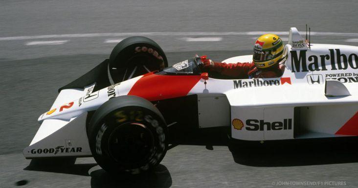 Ayrton Senna, champion du monde au volant de la MP4/4