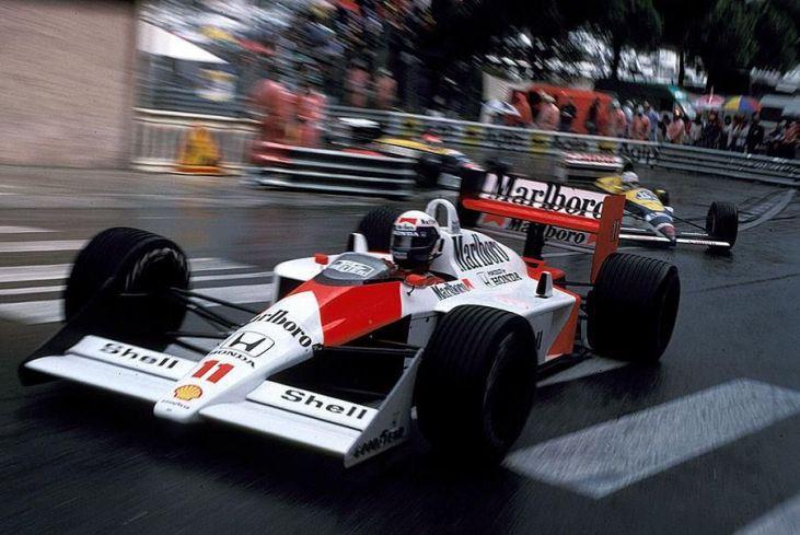 Alain Prost et sa MP4/4 à Monaco